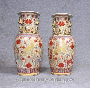 Pair Chinese Celadon Porcelain Vases Urns Deleiros pintados à mão
