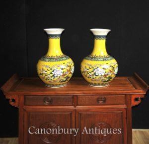 Pares chineses Famille Jaune Porcelana Vasos Urnas Shangping Form