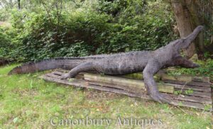 Estátua de crocodilo de bronze em tamanho real - Jacaré de jardim de estimação